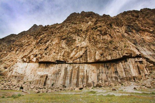 بیستون چكيدهای از تاریخ ایران زمین