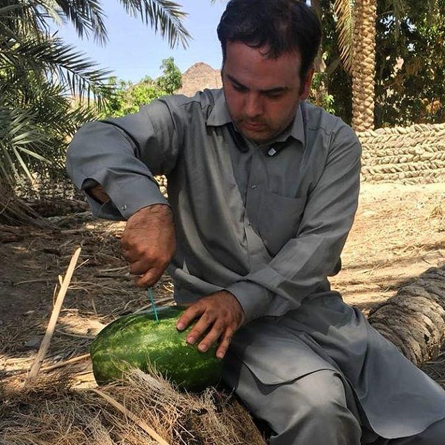 نگاره:  هماکنون در برنامه زنده #چراغ #رادیو #تهران از سفرم به #بلوچستان و شگفتیهای آن خواهم گفتFM94:00